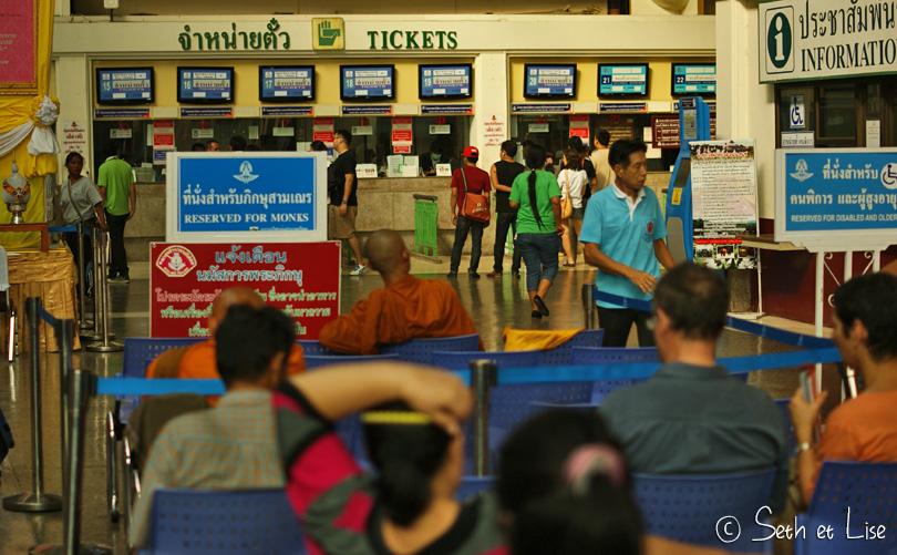train station bangkok