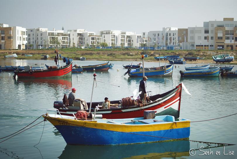 barques colorées pêcheur rabat maroc