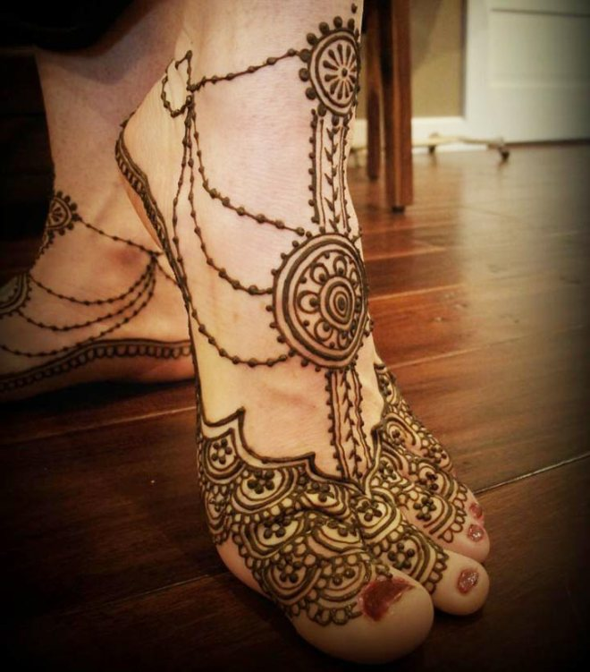 dulhan-mehndi-designs-for-feet