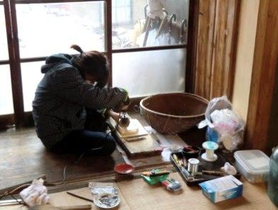 Koebi Tai volunteer at work.