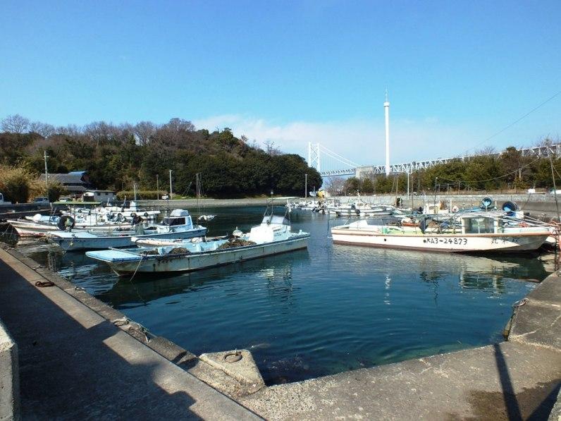 Shamijima still has a small fishing port.