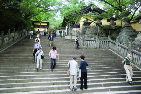 Climbing Konpira-san - First Stop - 10