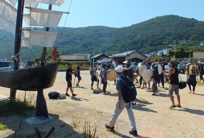 Seppuku Pistols in Megijima Port - 1