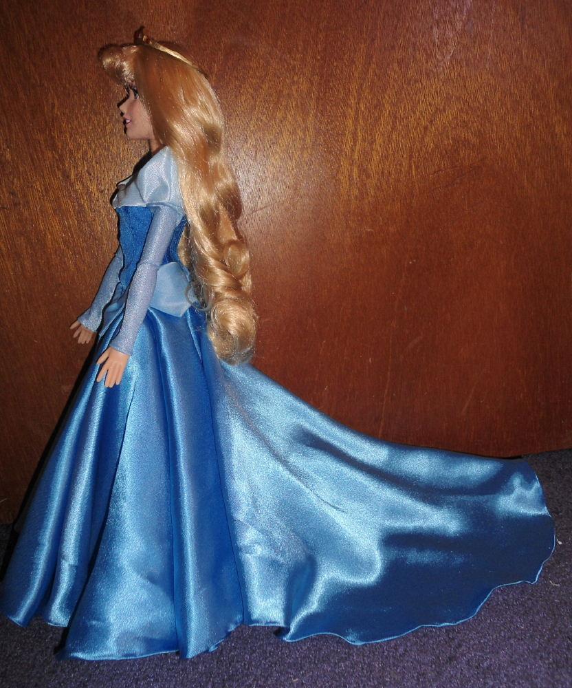 Princess Aurora 17 Singing Doll