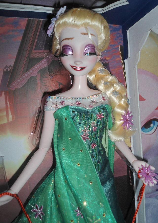 Queen Elsa Intoxicated 17 Quot Le Doll