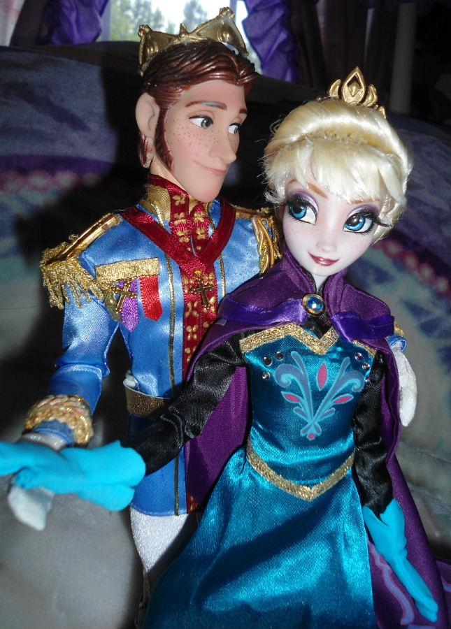Queen Elsa Coronation From Frozen 11 Quot Doll