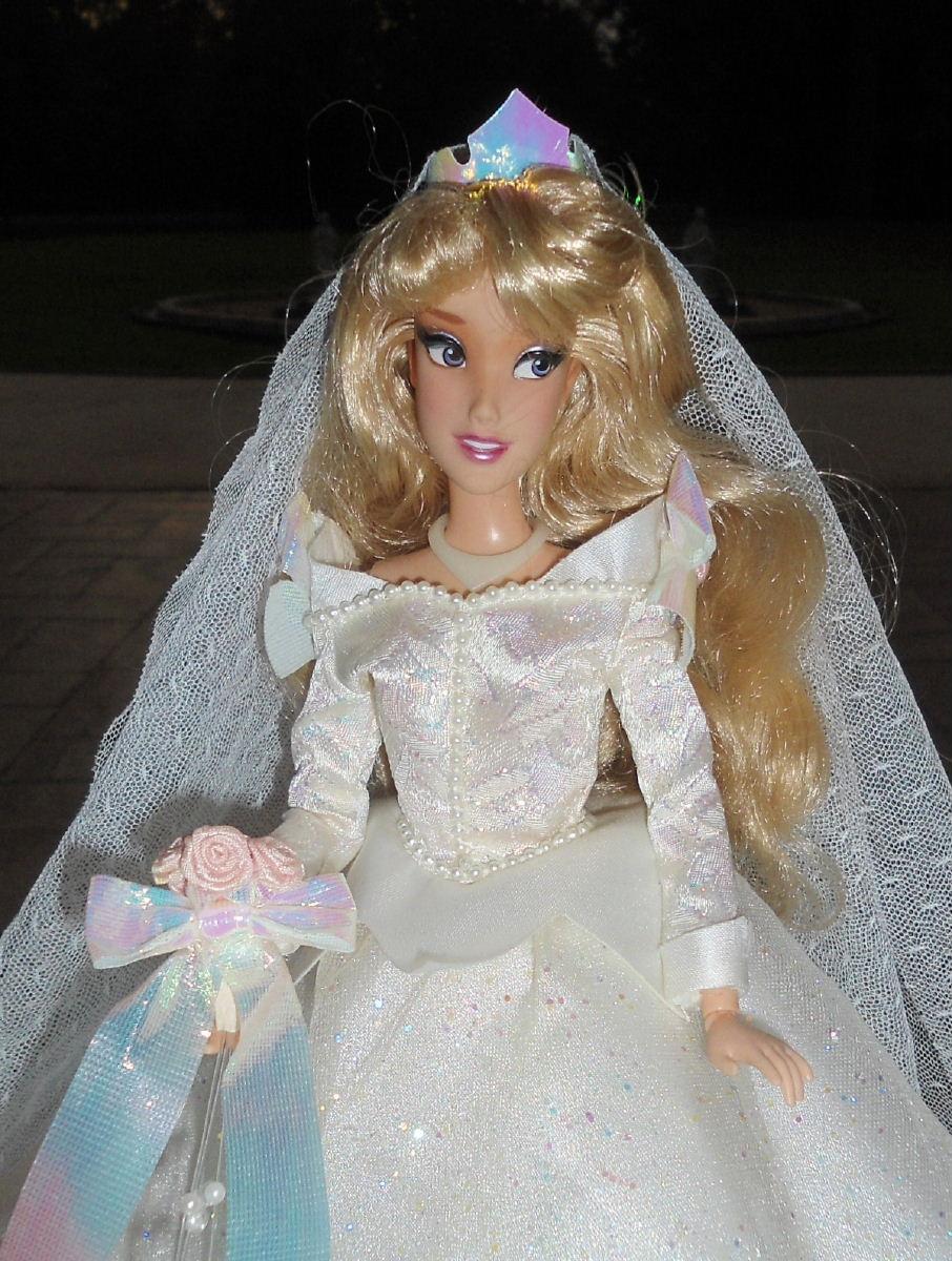 Wedding Phillip  Aurora 11 Doll Set