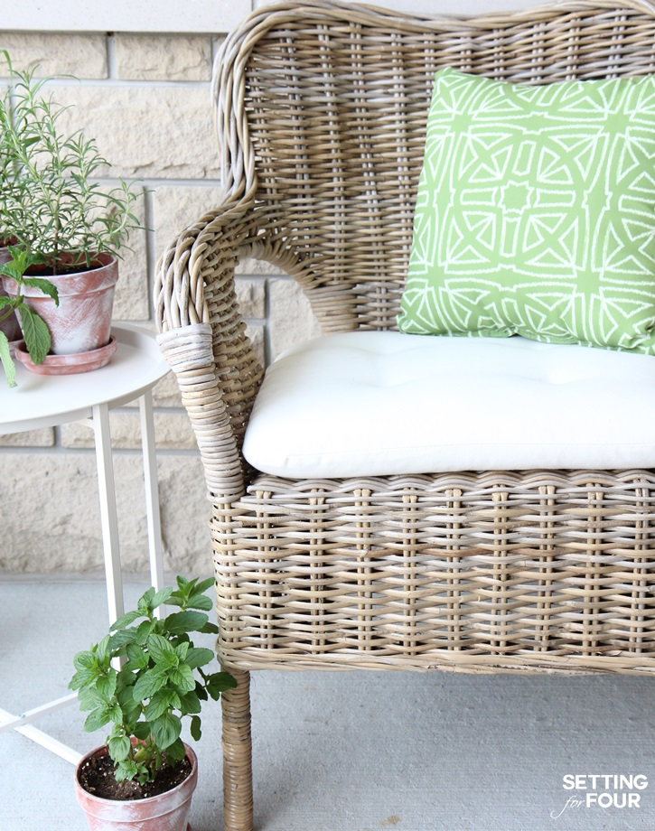 do it yourself patio chair cushions folding in pakistan how to make outdoor waterproof diy hack setting for four learn a jiffy with this
