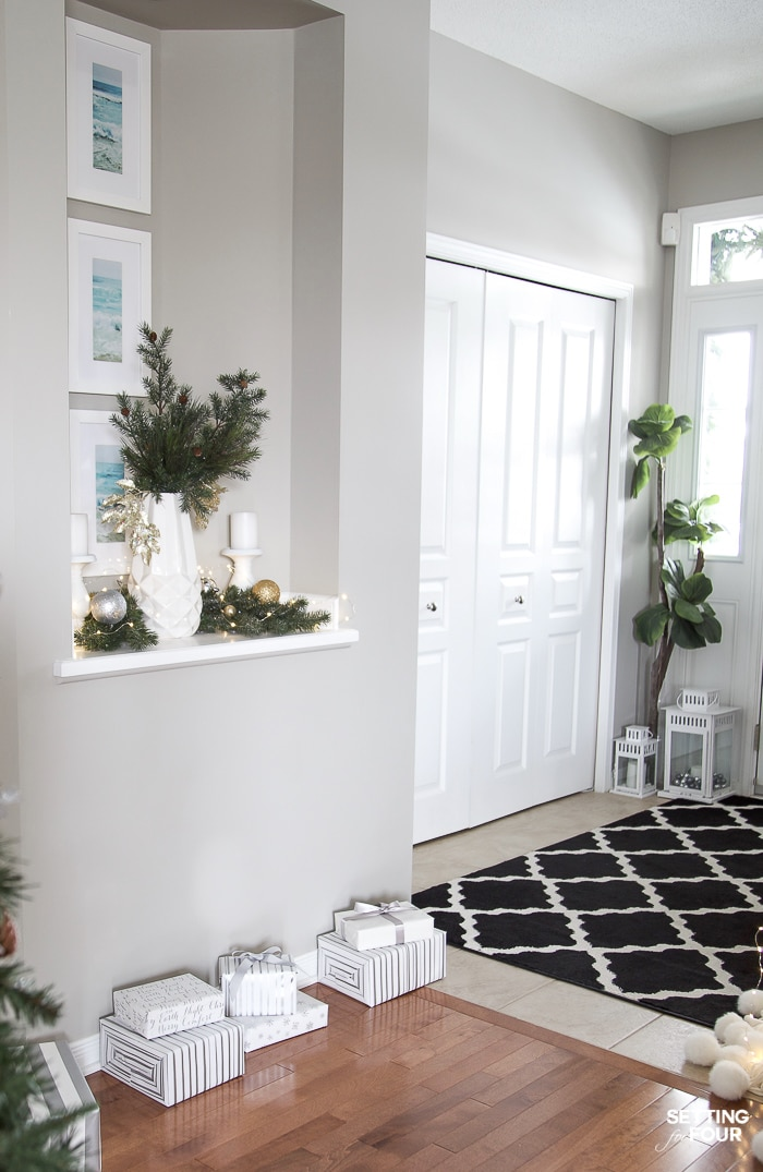 Elegant Silver And Gold Christmas Entryway Decor Ideas Setting For Four