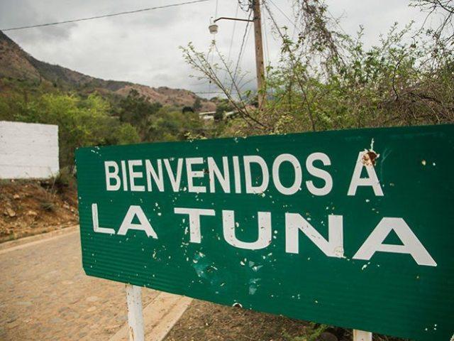 Madre de 'El Chapo' regresa a La Tuna a pesar de amenazas