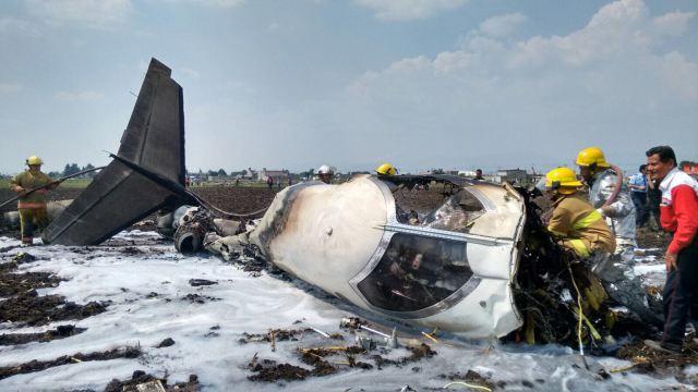 Esta podría ser la causa del fatal accidente aéreo en Toluca (video)