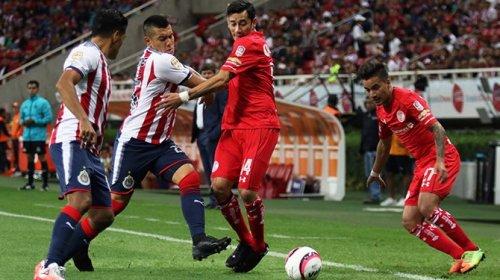 Sequía de goles entre Chivas y Toluca