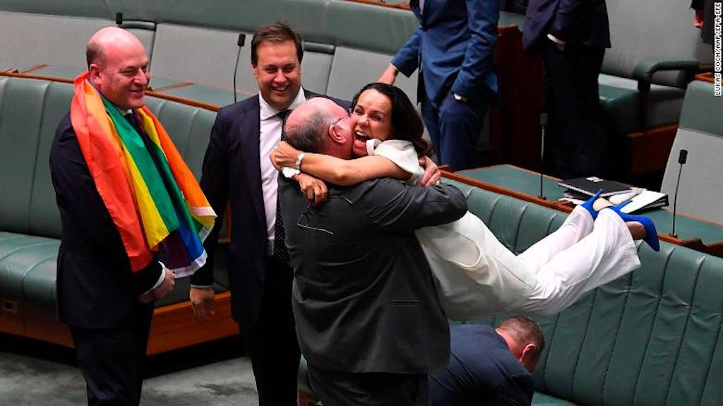 australia-same-sex-1207-restricted-exlarge-169.jpg