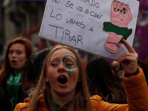 mujeres-de-argentina-hacen-historia-y-se-acercan-al-aborto-legal-1.jpg