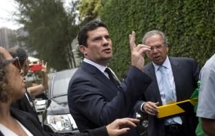 Sérgio Moro Aceita Convite de Bolsonaro Para Ser Ministro