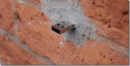 clef usb dans le mur