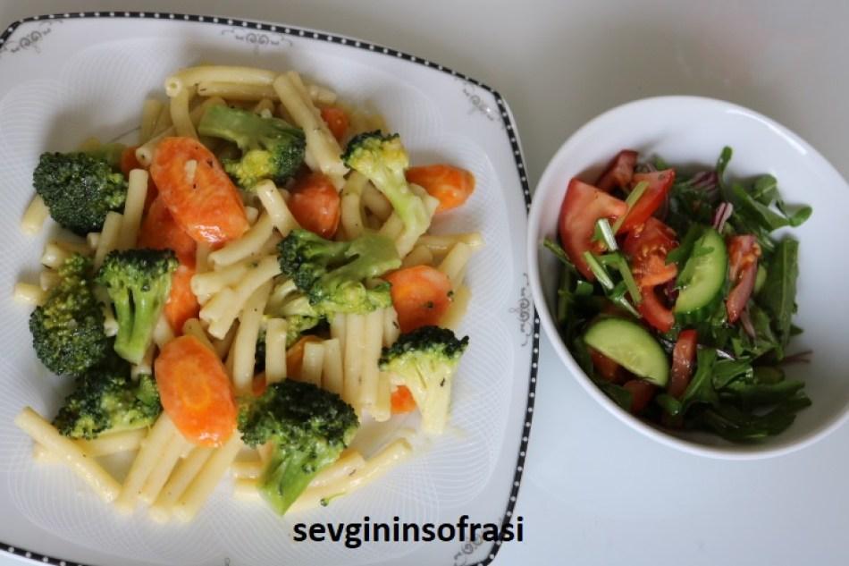 Kıymalı Brokolili Makarna