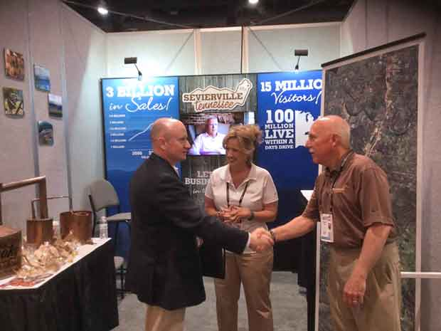 Sevierville Exhibits at RECon in Las Vegas to Attract Retailers to the City