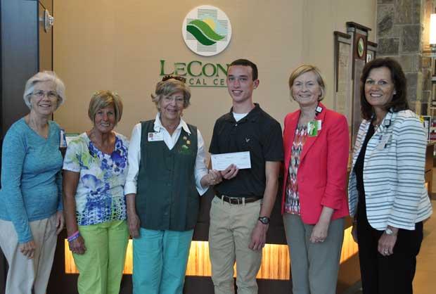 Will Hanson Awarded LeConte Medical Center Volunteer Scholarship