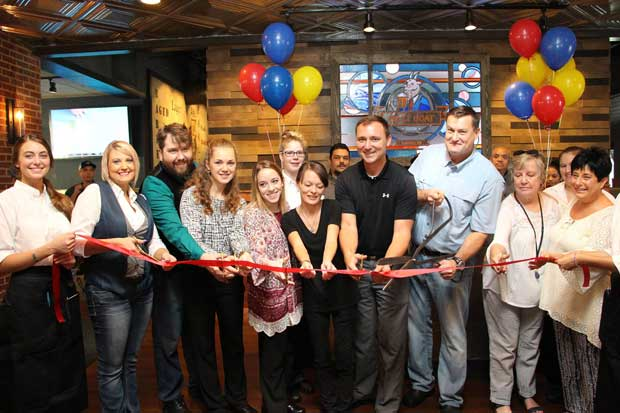 Mayor Wear Cuts Ribbon at Billy Goat Tavern in Pigeon Forge
