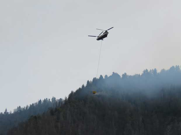 Park Closes Roads and Trails Due to 500-Acre Wildfire