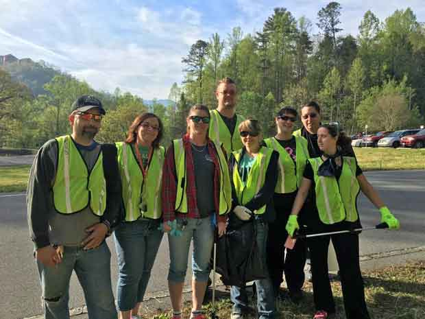 Smokies Service Days Litter Patrol