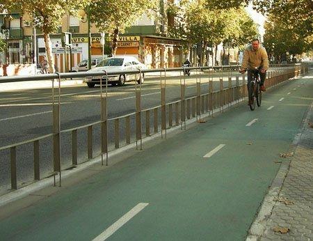 Tramo del carril bici de Sevilla. Nauj27