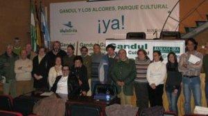 Integrantes de la asociación ecologistas Alwadi-ira