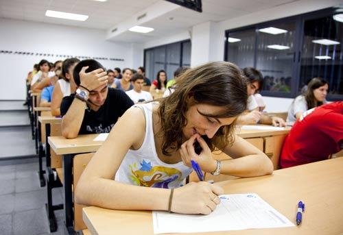 estudiantes-examenes