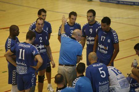 El Cajasol Voley puede dormir hoy como líder de la Superliga 2