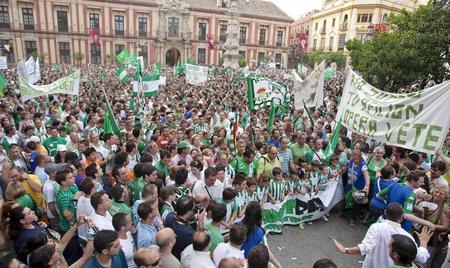 El club aboga por evitar la manifestación y que la afición apoye al equipo/EPA José Manuel Vidal