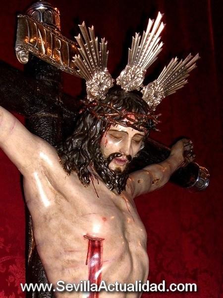 La imagen del Cristo de la Veracruz es anónima y data del siglo XVIII
