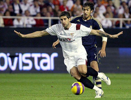 De las botas del internacional serbio han salido ocho goles este año/Flickr