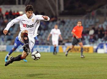 Imagen de un enfrentamiento entre los dos equipos este año en la Copa del Rey/SevillaFC