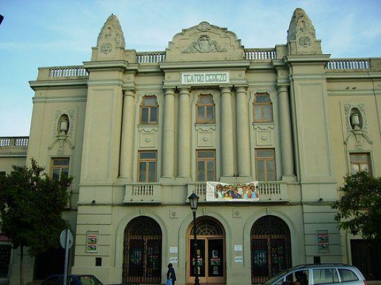 Según un informe, el teatro no se encuentra en condiciones