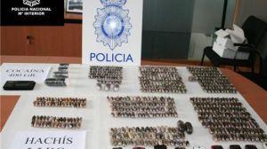 La droga se reparte en pequeños paquetes denominados 'bellota' para portarla en el cuerpo/PoliciaAlcalá.