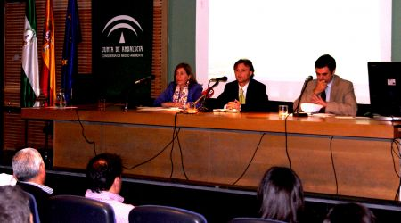 Reunión mantenida entre José Fiscal, Javier Fernández y Rosa Moreno /SA.