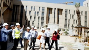 Visita del alcalde a una de las promociones de VPO de Emvisesa hace unas semanas/SA