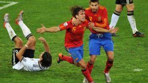 Puyol y Piqué celebran el gol que metió a España en la final del Mundial/AFP