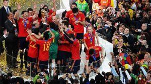 La Selección Española con la Copa del Mundo / MARCA