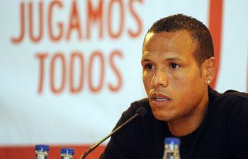 El brasileño desea volver a jugar y contar para Manzano/SevillaFC