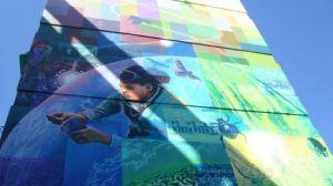 Los murales intentan transmitir un mensaje positivo, como el cuidado medioambiental