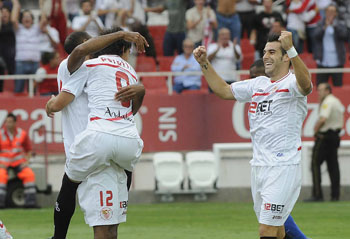 Los jugadores del Sevilla celebran uno de los goles/SevillaFC