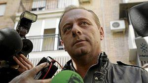 Antonio del Castillo, padre de Marta, en una de sus comparecencias ante los medios
