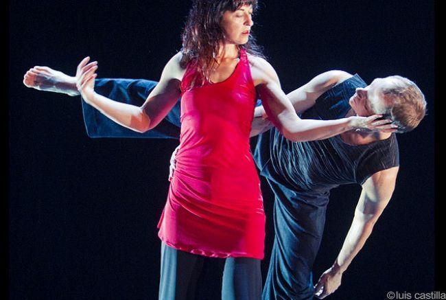 Manuela Nogales Cia. de Danza y Bud Blumenthal Hybrid Co. 'Dentro por fuera, fuera por dentro'/Luis Castilla para 'MESDEDANZA' en Flickr