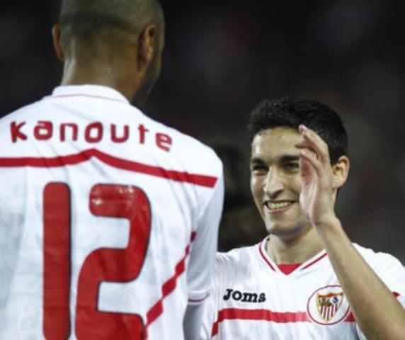 El regreso de Jesús Navas devolvió al Sevilla por el camino de la Victoria/Pizarro