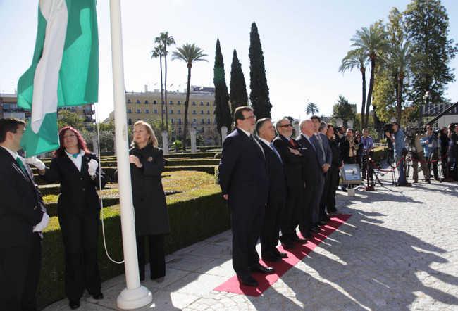 Los actos conmemorativos han comenzado con el tradicional izado de la bandera