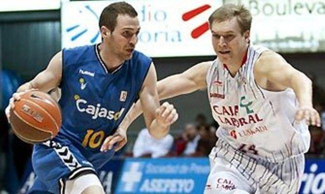 El Cajasol resistió hasta el segundo cuarto en Vitoria/EFE
