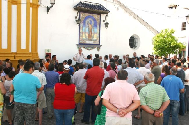 Vecinos de Castilblanco protestaron en 2009 por la subida de la contribución / Juan C. Romero