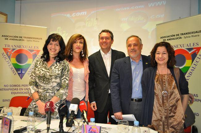 Pilar González (PA), Mar Cabrollé, Juan Espadas (PSOE), José Manuel García (IU) y Mercedes de Pablos (PSOE)